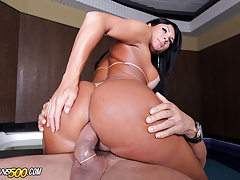 Sexy , thick Luna Oliveire gets her transsexual ass fucked!
