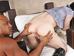 Big Cock Shemale Isabella Wants Anal Sex, Glazed Trannys